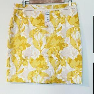 Banana Republic BNWT floral pencil skirt